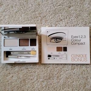 Clinique Colour Surge Eye Shadow Trio Compact